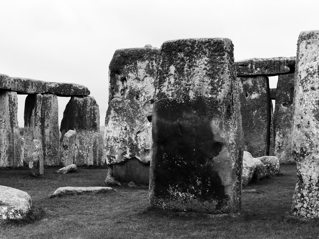 Stonehenge: Traditional